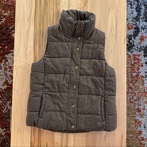 Heathered brown puffer vest